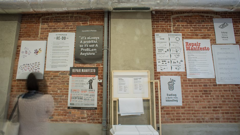 Fixing Manifestos Manifesto wall in Brave Fixed World exhibition ©Łòdź Design Festival