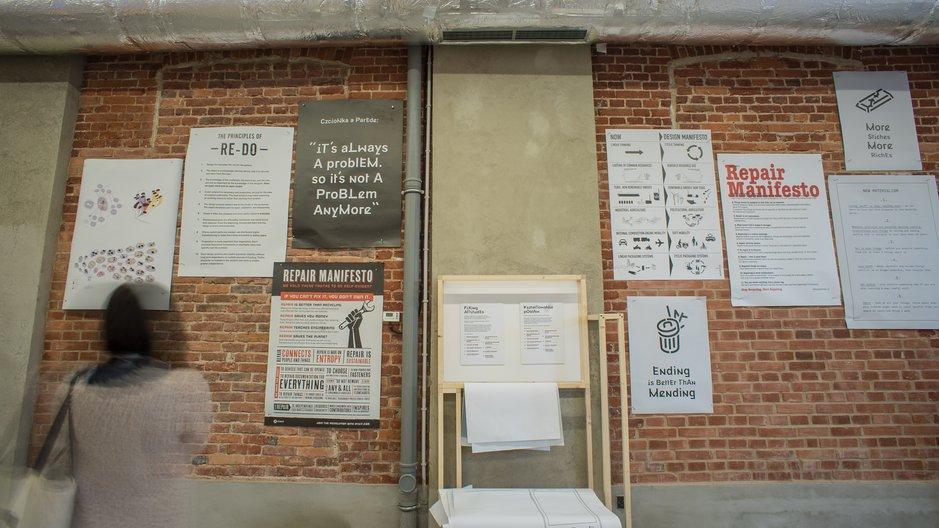 Fixing Manifestos Manifesto wall in Brave Fixed World exhibition ©Łòdź Design Festival