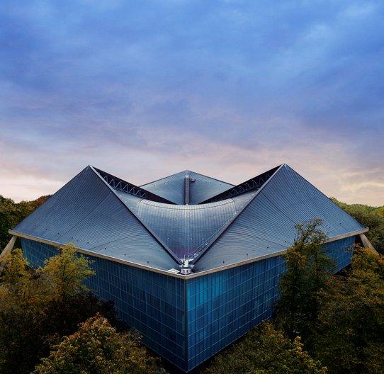 New Design Museum opens in Kensington Design Museum © Gravity Road