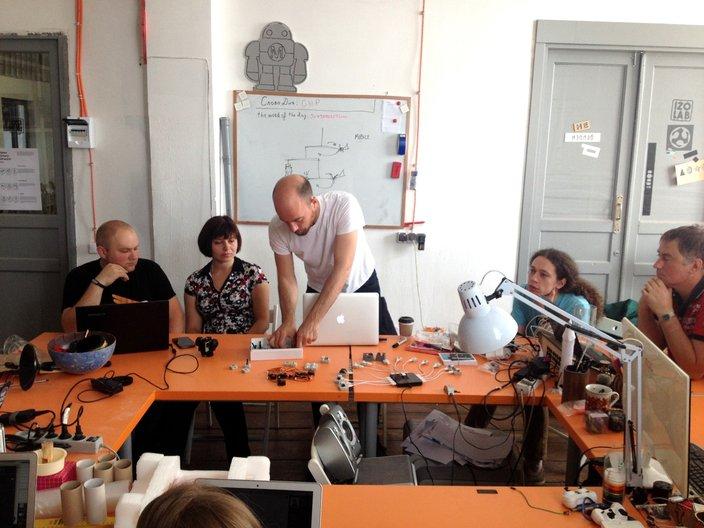 Adam Blencowe introducing the workshop