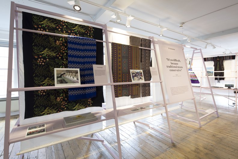 Commerce: Computer embroidered fabrics from Myanmar (left) and factory print fabrics from Thailand (centre) © Agnese Sanvito