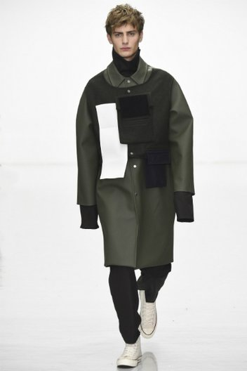 The final look from Agi & Sam's AW16 collection © catwalking.com