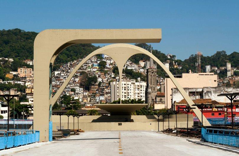 aberrant architecture - The Sambódromo in Rio de Janeiro