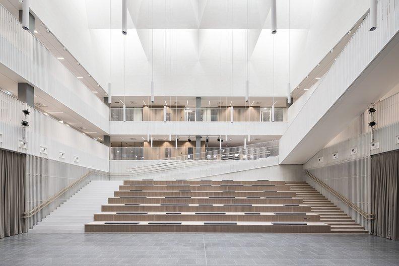AOR, Jatkasaari School atrium Kuvatoimisto-Kuvio