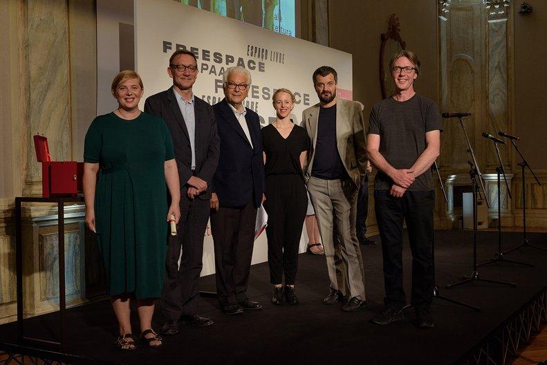 Sarah Mann with Peter St John and Marcus Taylor of the ISLAND curatorial team Andrea Avezzu, courtesy La Biennale di Venezia