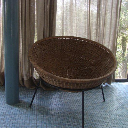Bowl chair, 1950s prototype Coleção Artemobilia, phototograph © Laura Georgina Smith