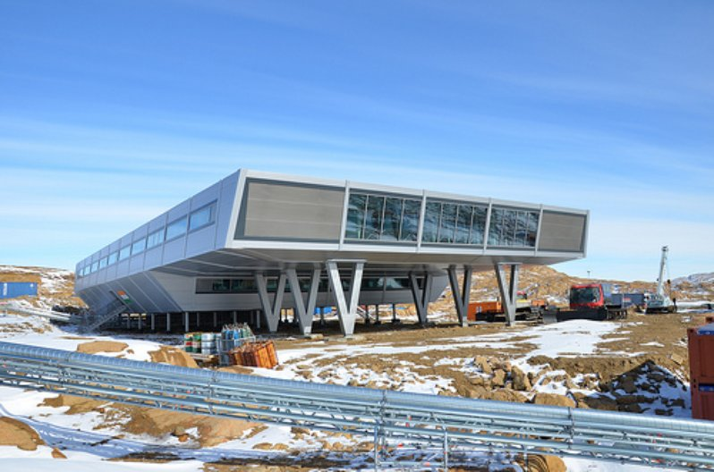 Vorne.Bharati.bof Architekten IMS.copyright NCAOR (National Centre for Antarctic and Ocean Research