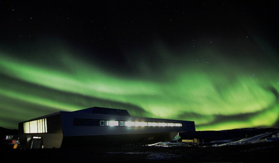 Polarlicht.Bharati.bof Architekten IMS.copyright NCAOR (National Centre for Antarctic and Ocean Research
