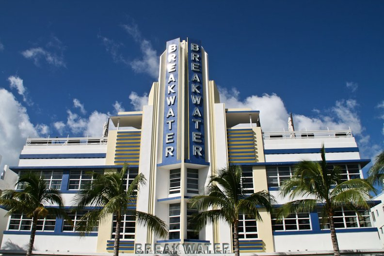 The Breakwater, Ocean Drive, Miami Beach. Architect: Anton Skiskewicz, 1936 © Jenny Steele, 2017