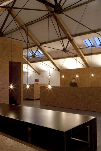 Ochre Barn by Carl Turner Architects. Image courtesy of CTA