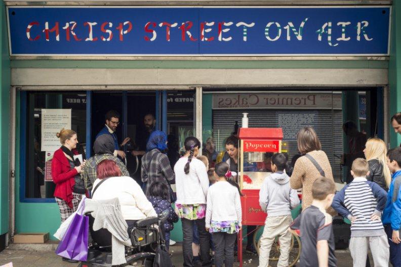 Chrisp Street on Air © Dosfotos