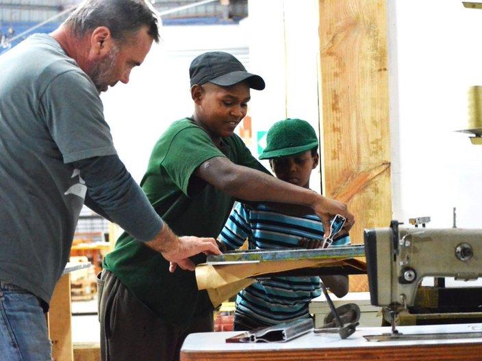 Craig Dunlop teaching participants of T.E.N in Cape Town