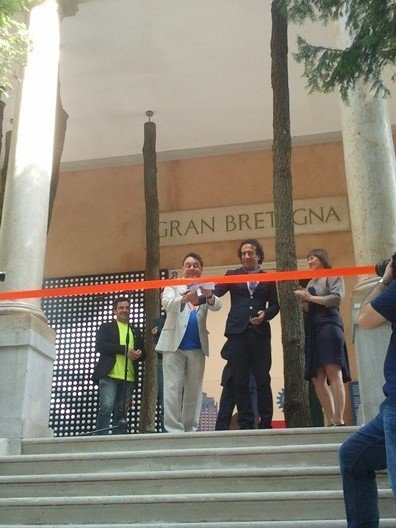 Graham Sheffield and Mark Wadhwa cutting the ribbon
