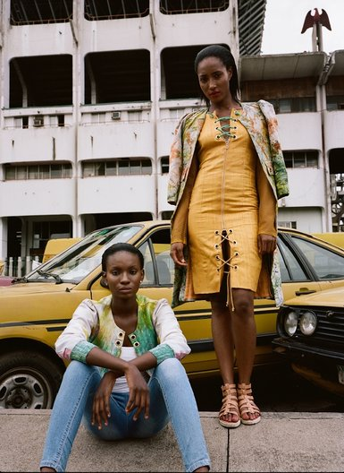 Photoshoot at Tafawa Balewa Square © Nina Manandhar and Dimeji Alara