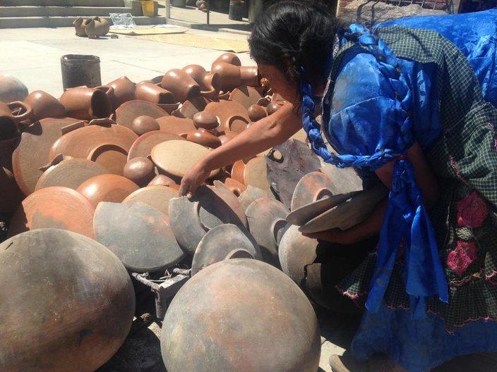 Oaxaca red clay pottery © Oax-i-fornia