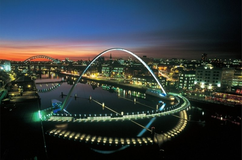 Gateshead Millenium Bridge, designed by Wilkinson Eyre