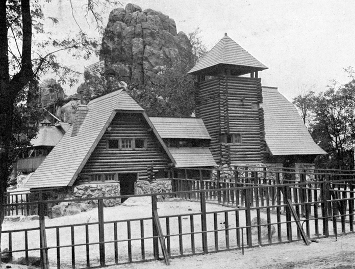 Buffalo House, 1912, fkapu is Main Gate of the Budapest Zoo, 1912: Courtesy of archives at Budapest Zoo