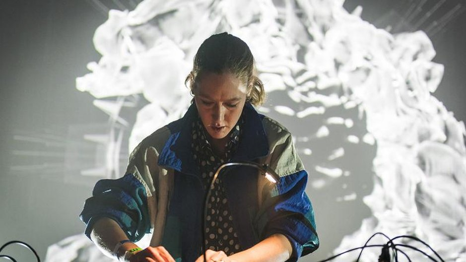 Karen Gwyer at MUTEK in Montreal, 2015   © Caroline Hayeur
