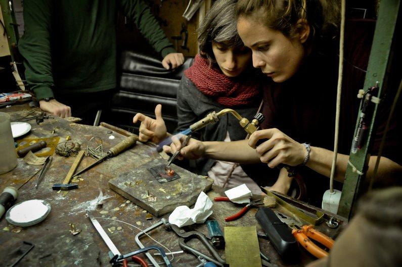 Jewellery making workshop at ATÖLYE Istanbul  © ATÖLYE Istanbul